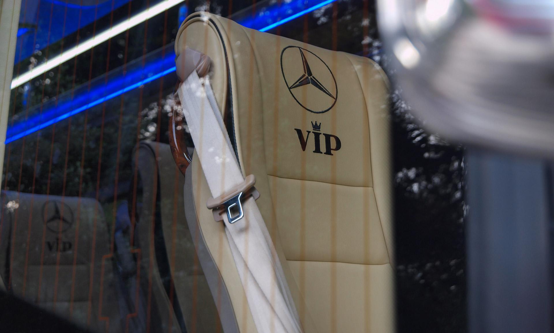 Sarris Mercedes-Benz Sprinter VIP 14 in2